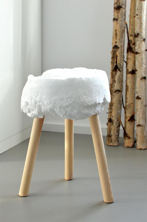 diy hocker aus bauschaum ich designer. Black Bedroom Furniture Sets. Home Design Ideas